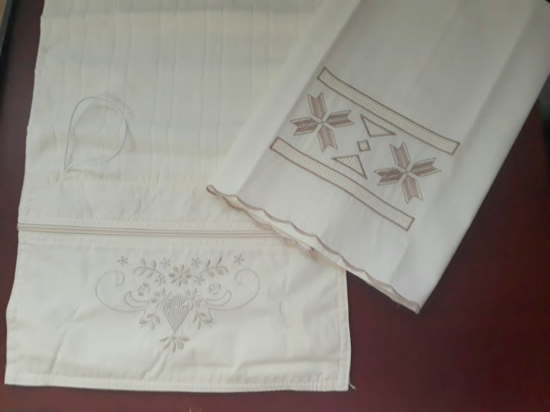 Kit Toalhas de Lavabo 250 fios Festonê Grego + Necessarie Prático Bilro  - Helô Reis Store