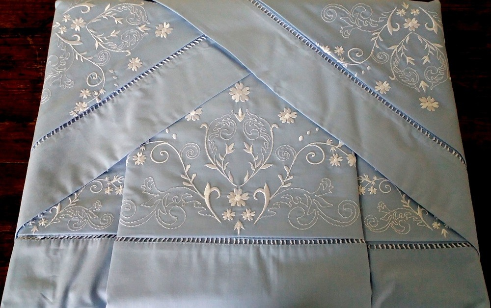 Roupa de Cama 250 fios Bud azul/ branco  - Helô Reis Store