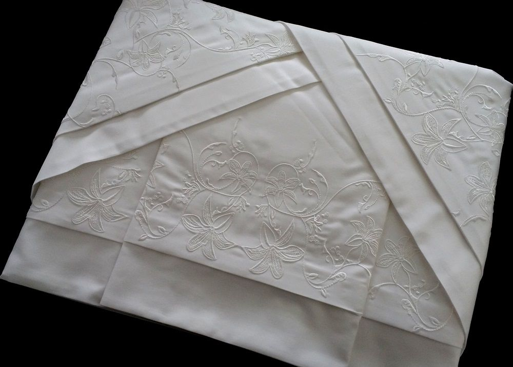 Roupa de Cama 250 fios Lírio branco  - Helô Reis Store
