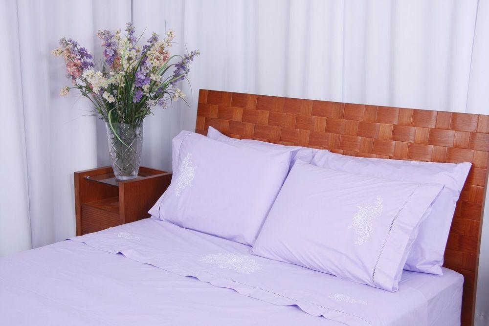 Roupa de Cama 250 fios Crivo II lilás/branco  - Helô Reis Store