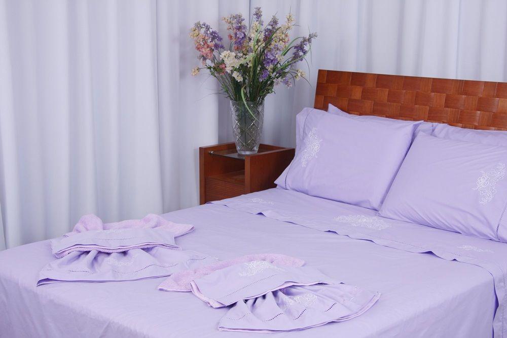 Suíte 250 fios CrivoII lilás/ branco  - Helô Reis Store