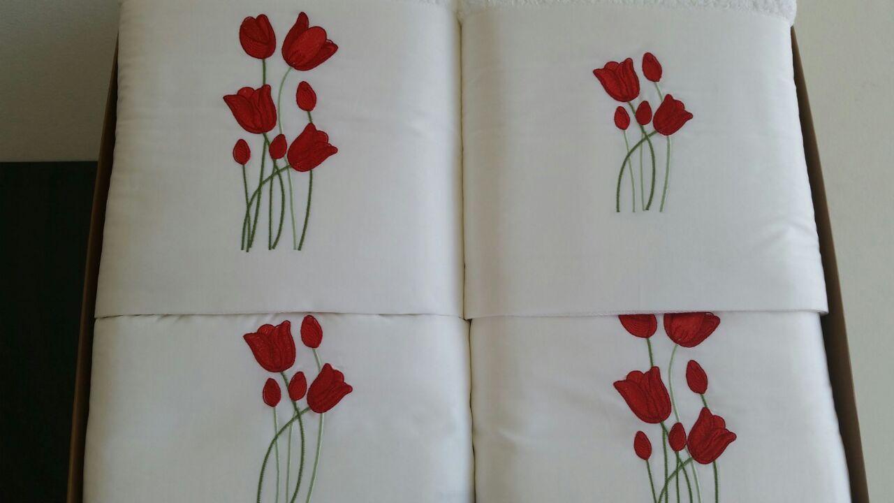 Roupa de Cama e Jogo de Toalha Suite  Tulipa Branco/ Vermelho  - Helô Reis Store
