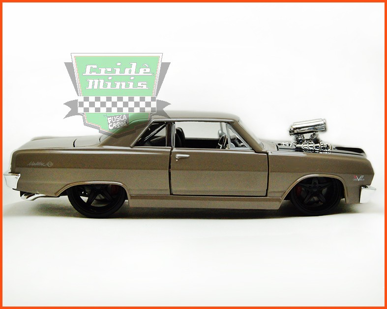 Chevrolet Malibu SS 1965 Custom - escala 1/24