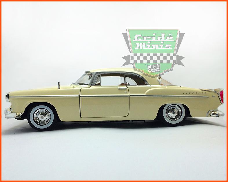 Chrysler C300 1955 creme - escala 1/24