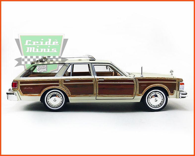 Chrysler LeBaron Town & Country Wagon 1979 Creme - escala 1/24