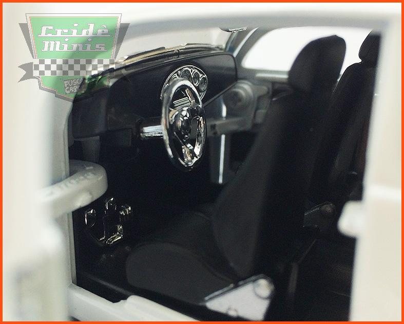Fusca Oval Window Custom 1955 white - escala 1/24