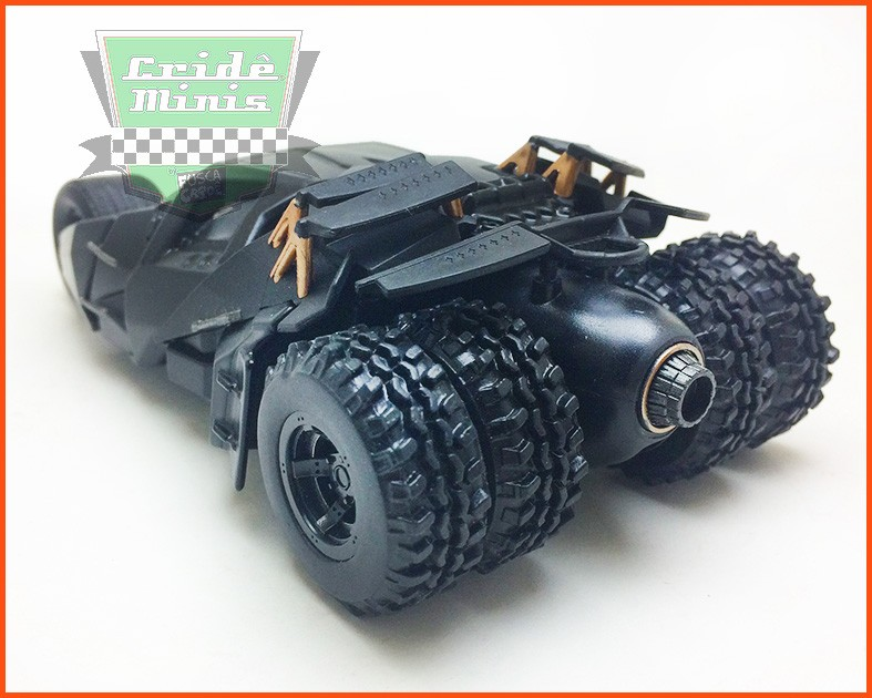 Jada Batman Batmobile 2008 The Dark Knight Tumbler - Escala 1/32