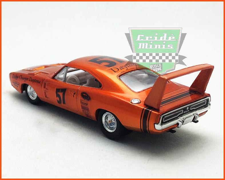 M2 Dodge Charger Daytona HEMI 1969 - Customizado - escala 1/64