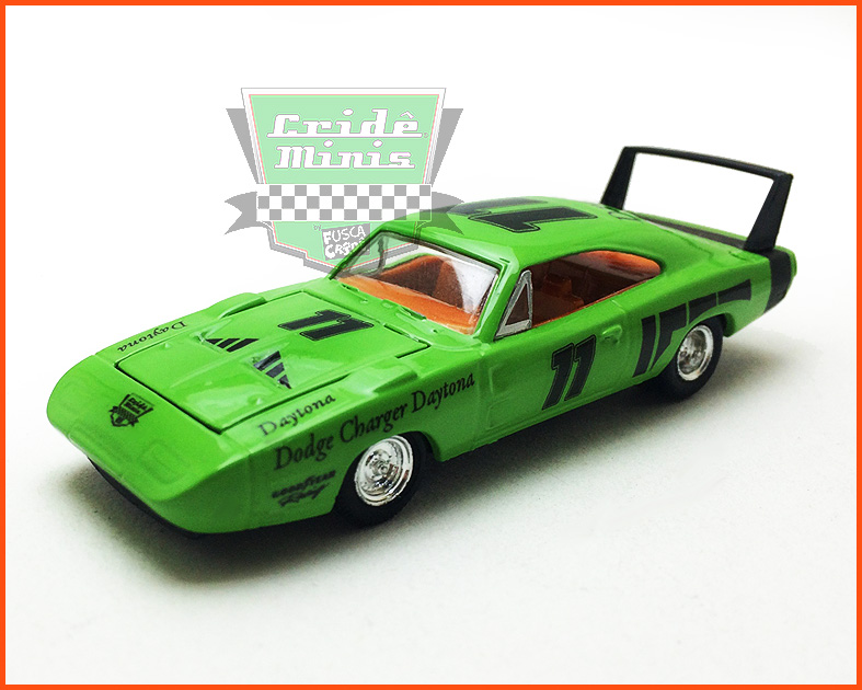 M2 Dodge Charger Daytona HEMI 1969 Customizado - escala 1/64