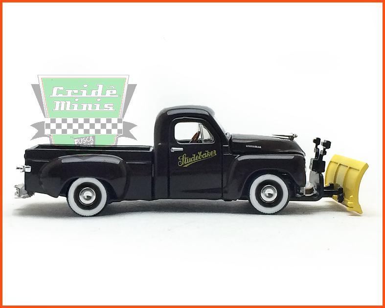 M2 Studebaker 2R Truck 1951 - Edição Premium 5.000 unidades - escala 1/64