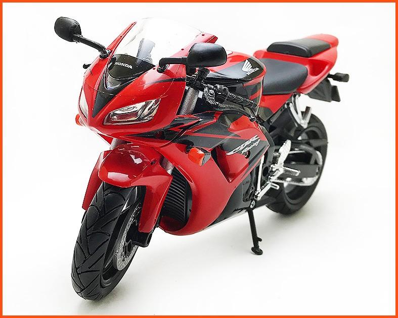 Moto Honda CBR 1000 RR Vermelha - escala 1/12