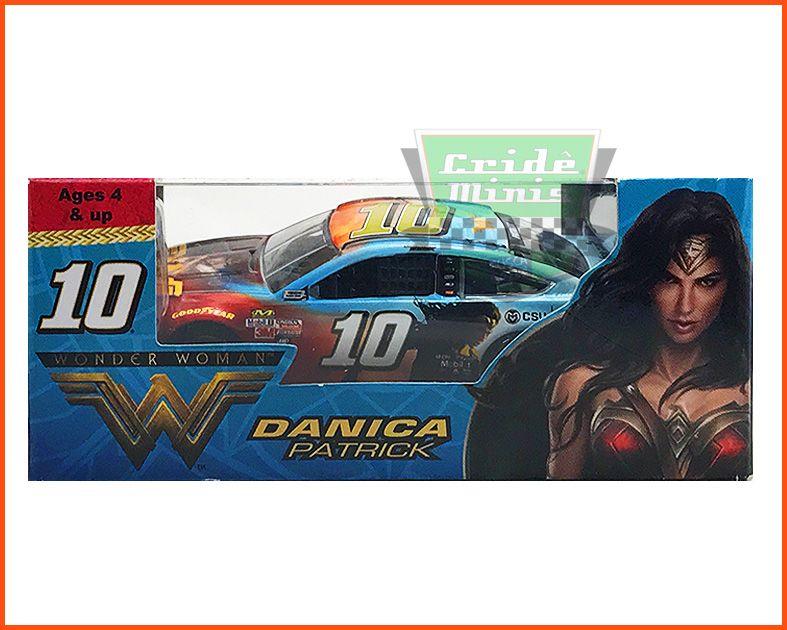 Nascar Ford Fusion 2017 Danica Patrick #10 Wonder Woman - escala 1/64