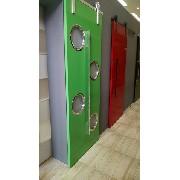 Foto Ilustrativa Porta 210x82 cm com escotilha polida MA-04 26/31 cm