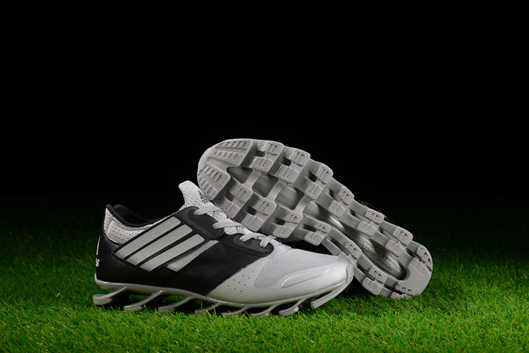 Adidas SpringBlade V – Preto e Branco