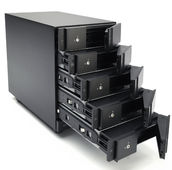 HD + Case Oyen Digital Mobius 5-Bay Thunderbolt 2 5TB  - Rei dos HDs