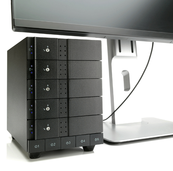 HD + Case Oyen Digital Mobius 5-Bay Thunderbolt 2 40TB  - Rei dos HDs