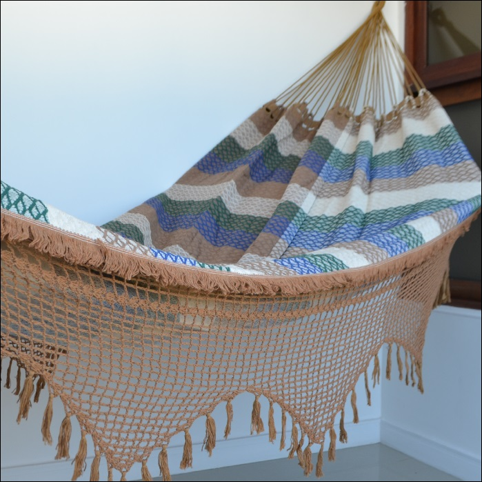 Rede de Dormir e Descansar Casal Bucho de Boi com Varanda Crochê