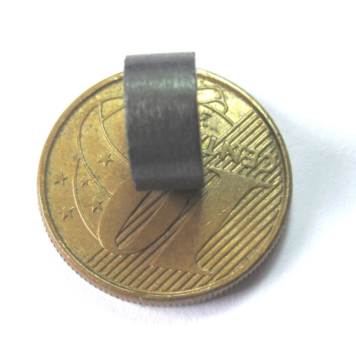 Imã de Ferrite Disco (cerâmica) Y30 10x5 mm  - Polo Magnético
