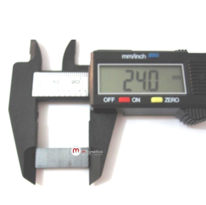 Imã de Ferrite Bloco (cerâmica) Y30 24x9x5,5 mm  - Polo Magnético