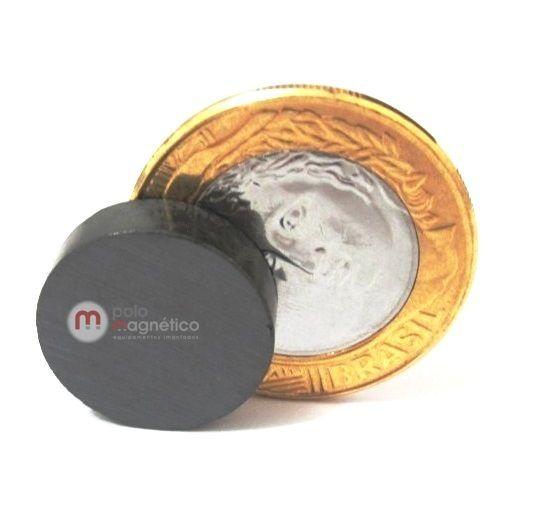 Imã de Ferrite Disco (cerâmica) Y30 18x5 mm  - Polo Magnético