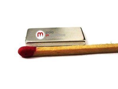 Imã de Neodímio Bloco N42 20x10x2 mm  - Polo Magnético