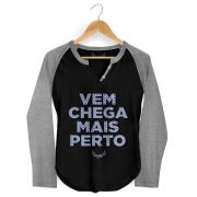 Camiseta Raglan Feminina Anitta Chega Mais Perto