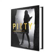 Livro Pitty Cronografia: Uma Trajetória em Fotos