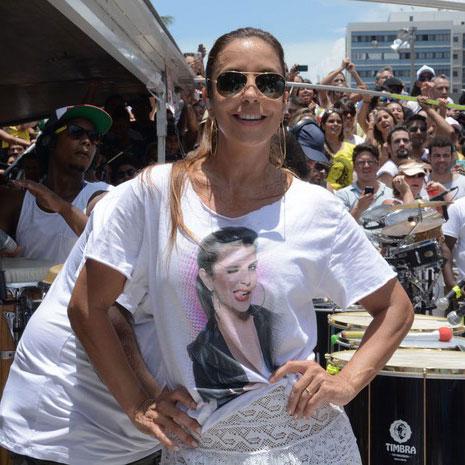 Camiseta Feminina Ivete Sangalo Piscadela White
