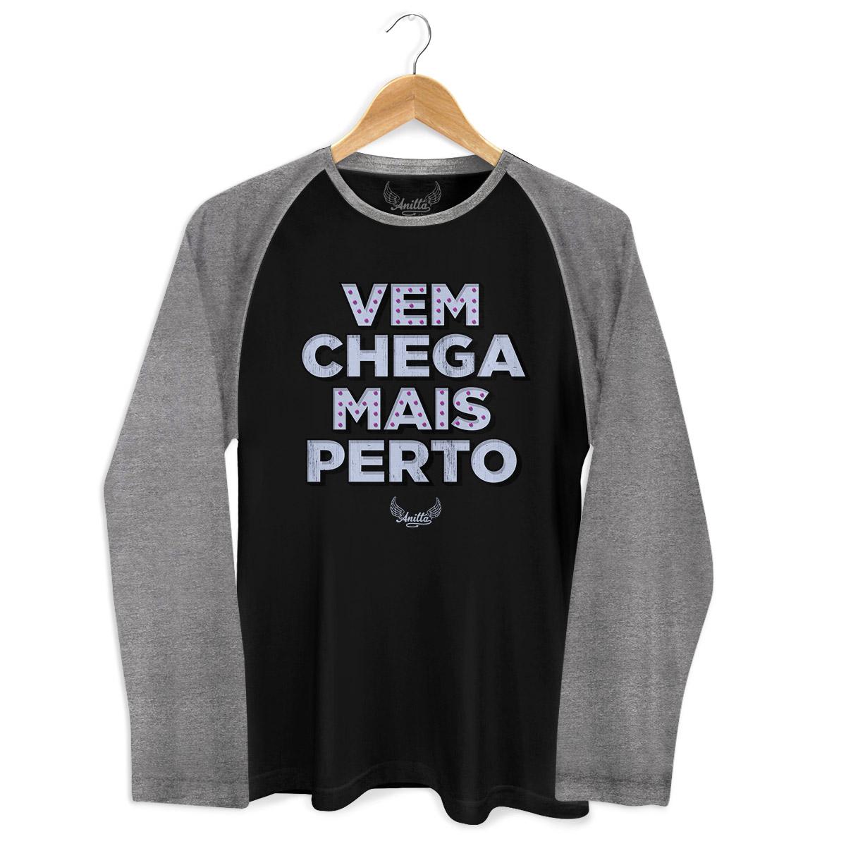 Camiseta Raglan Masculina Anitta Chega Mais Perto