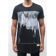 Camiseta  Upside Down Castle Masculina - #REINODEPONTACABEÇA