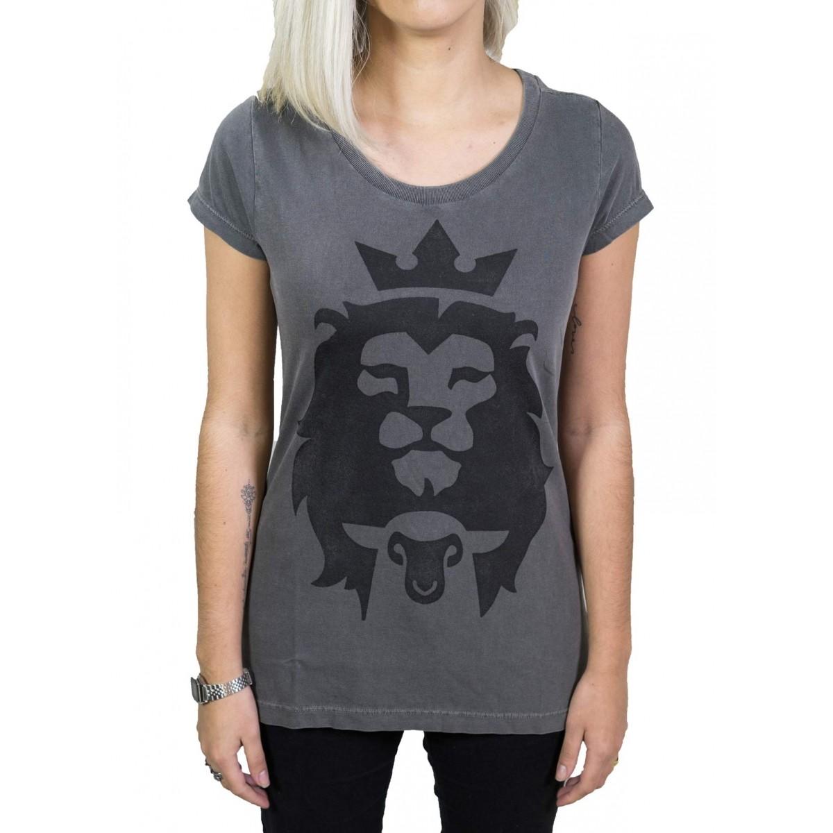 Camiseta Cordeiro e Leão - Chumbo Feminina  - Jesuscopy