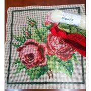 Kit Almofada Ramo de Rosas Vermelhas