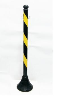 Pedestal com Ganchos Metálicos - Distância 1,5 m