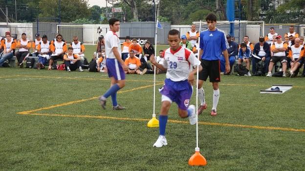 KIT POSICIONADOR BALIZAS BARREIRINHAS - LINHA ATIVA ACTUAL 06 PEÇAS  - Actualsports  Equipamentos Esportivos