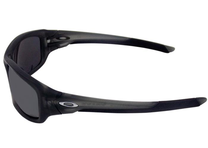 524a76f18b2ff Óculos De Sol Oakley Valve Polarizado OO9236 06Oakley OriginalOakley de  SolCompra segura ... Óculos De Sol Oakley Holbrook OO9102 26 Tam.55Oakley  ...