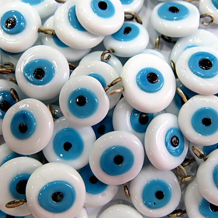 Olho grego achatado pingente branco/ turquesa grande- (05 unidades)- OGP026