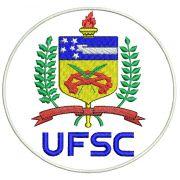 Jaleco modelo gola padre personalizado padrão UFSC (logomarca na manga , símbolo Odonto na manga e nome na lapela em preto), com punho de ribana