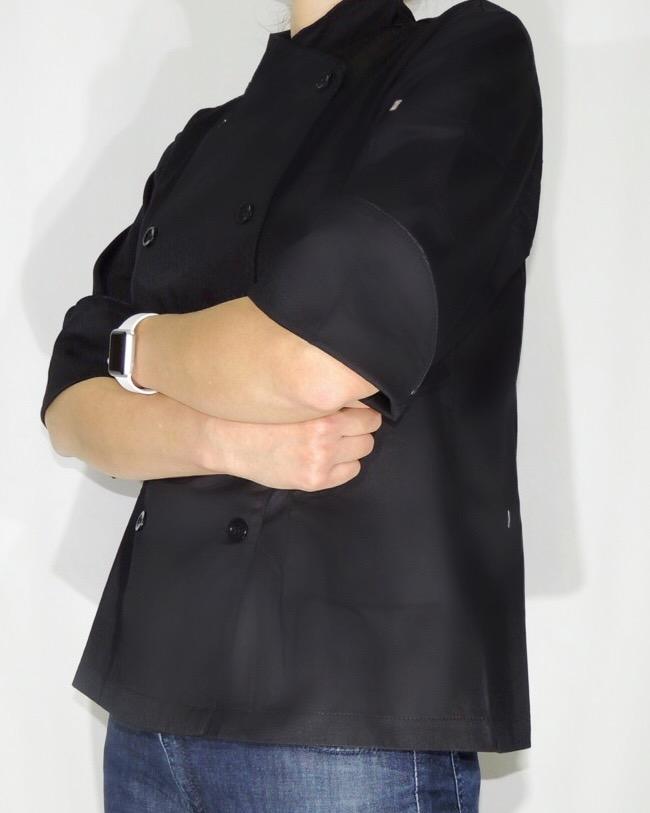 Dólmã Cecília Feminino Acinturado PRETO com vivo e botões pretos Sarja Leve 100% algodão Manga 3/4