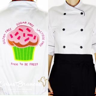 Dólmã Cecília Feminino Acinturado BRANCO CUP CAKE PINK LEMON GLUTEN FREE com vivo e botões PRETOS Sarja Leve 100% algodão Manga 3/4
