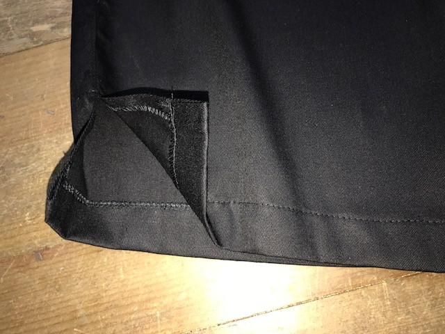 Calça Anatomys FEMININA PRETA com dois bolsos na frente e dois atrás e cordão PINK Tecido Sarja 100% Algodão