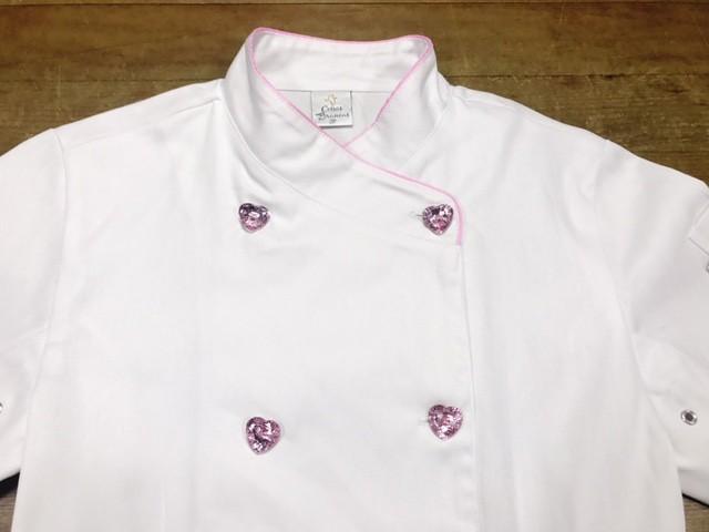Dólmã Cecília Feminino Acinturado BRANCO PINK BEATER com vivo ROSA e botões PINK HEART 100% algodão