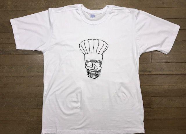 Camiseta Unisex Branca BORDADO SKULL CHEF Fio 30 Premium 100% Algodão