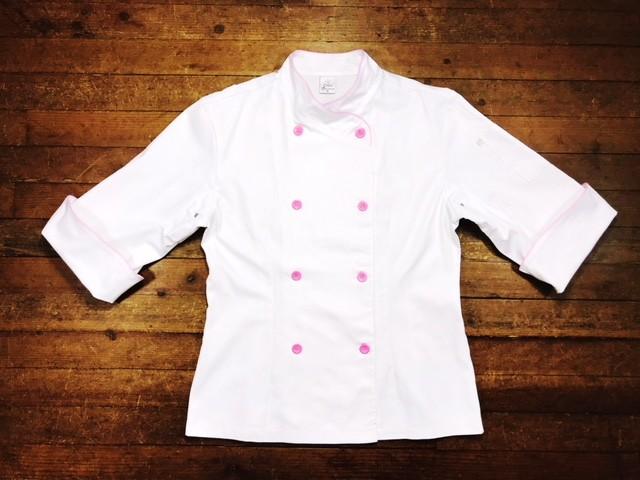 Dólmã Cecília Feminino Acinturado BRANCO POWER GIRL com vivo e botões ROSA Sarja Leve 100% algodão