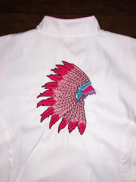 Dólmã Cecília Feminino Acinturado BRANCO INDIAN COCAR PINK com vivo e botões ROSA Sarja Leve 100% algodão