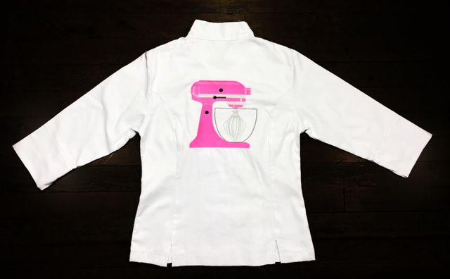Dólmã Grace Feminina Acinturada BRANCA PINK BEATER  em Sarja 100% Algodão (abotoamento de pressão)