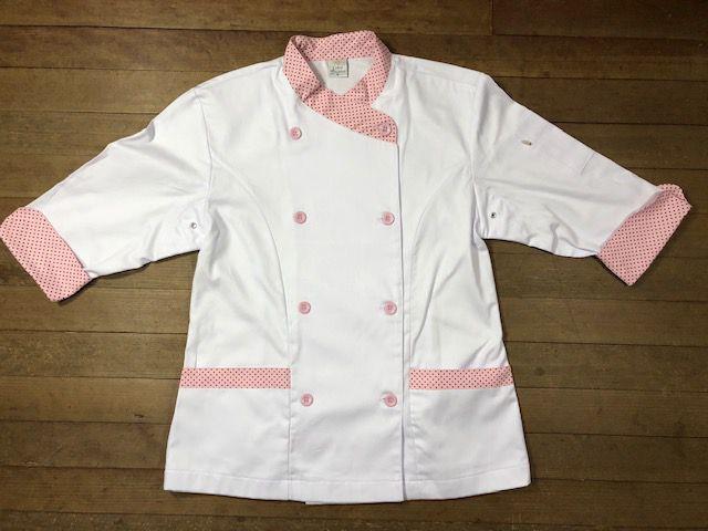 Dólmã Mary Feminina Acinturado BRANCA com detalhe Poá ROSA CLARO Sarja Leve 100% algodão com botões ROSA CLARO