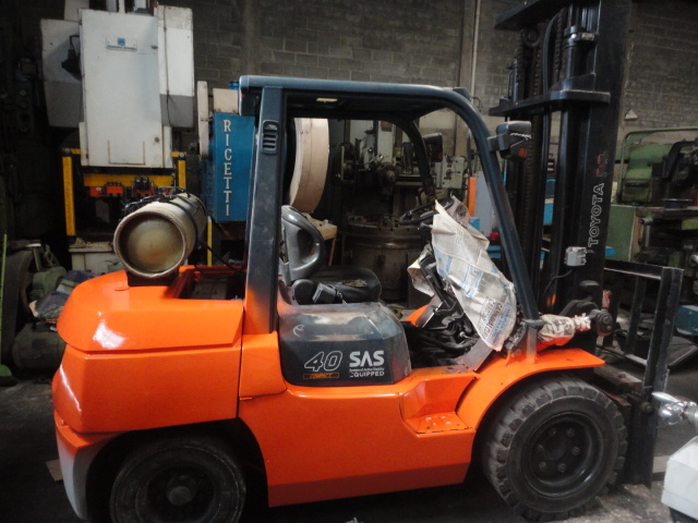 Empilhadeira Toyota 4 T