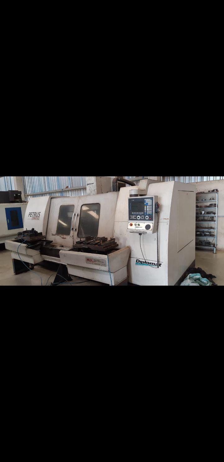 Centro de Usinagem  CNC Diplomat Petrus 3001