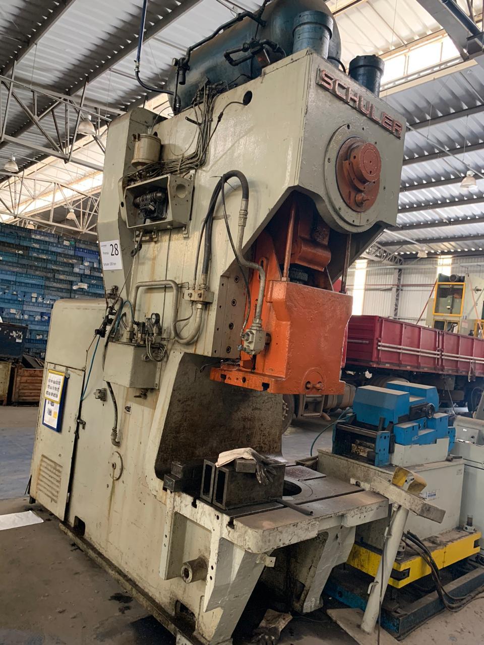 P28-Prensa Excêntrica Schuller, 200 ton, 900mm x 750mm   - AEG Comercial