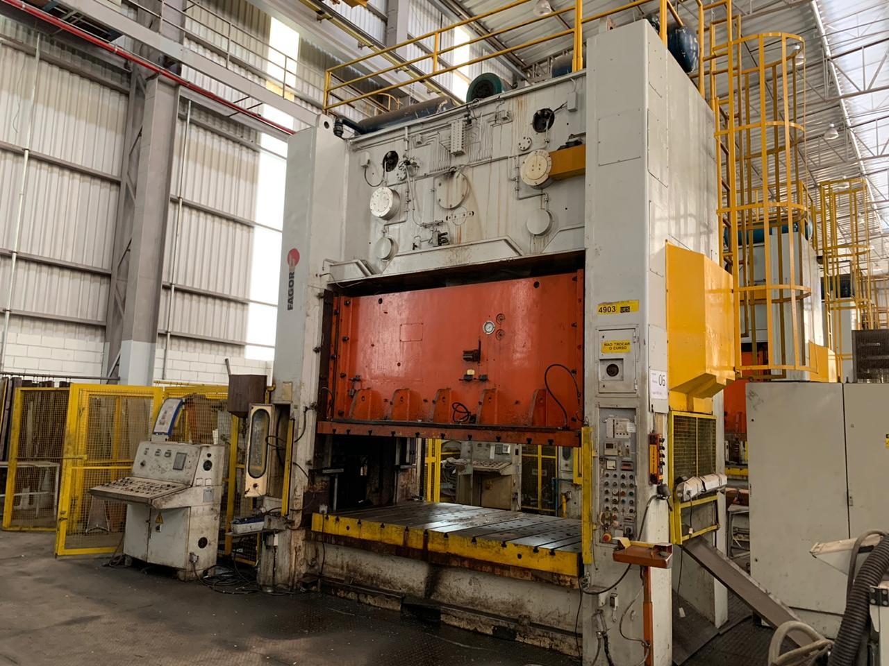 P7-Prensa Excêntrica H Gutmann 400 ton, 2800mm x 1600mm